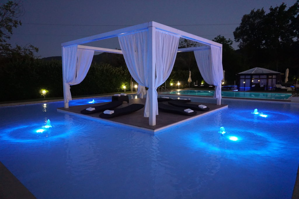 Piscina - iConic Resort